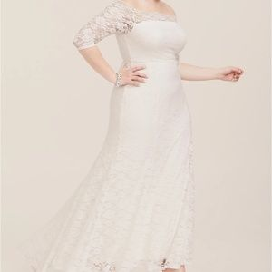 Torrid Ivory Lace Off-Shoulder Gown, size 30W